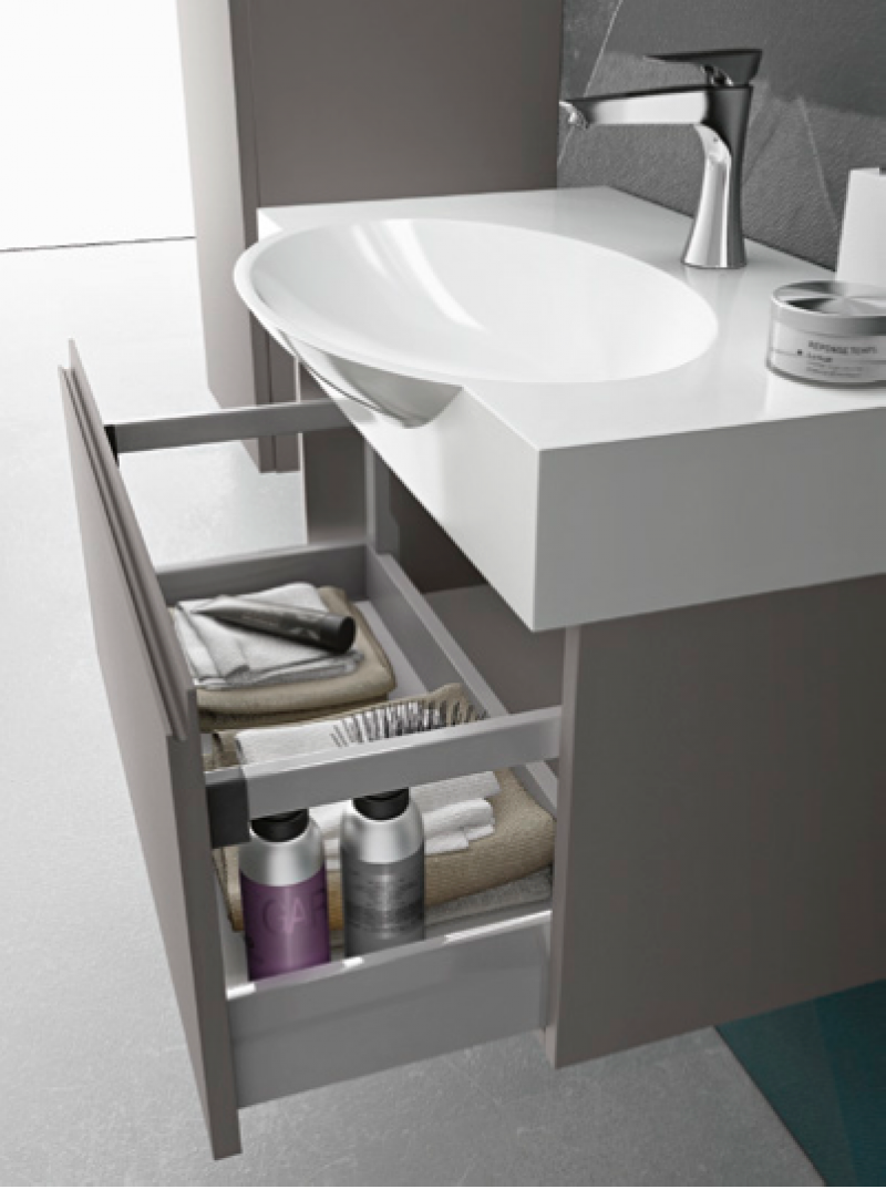 La veneta termosanitaria s r l monoblocco quick con cassetto e piano resina by gb group - Gb group mobili bagno ...